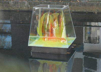 Protecting nature – plexiglas - voorheen in gracht Almere Haven